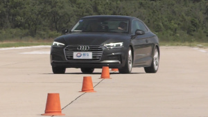 奥迪A5 Coupe硬顶跑车 18米绕桩实测