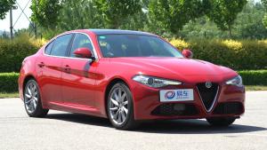 阿尔法罗密欧Giulia中级轿车 动态展示