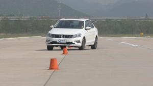 一汽-大众新款捷达 18米绕桩测试