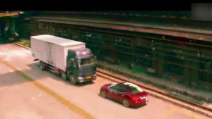日产智行科技创意 公路斗狠大卡车