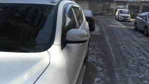 路边停车的时候,后视镜用不用收起来?