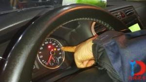 车主行驶中发现汽车这个灯点亮怎么办?(胎压指示灯篇