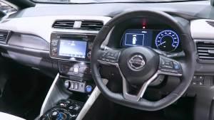 日产 Leaf G -白-蓝-纯电动汽车