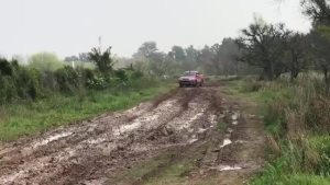 SRV丰田车在泥泞的伯利恒