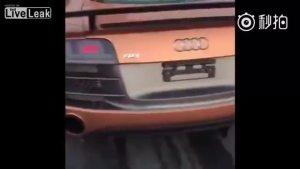奥迪R8疯狂加速到320KM 自拍视频成了临终遗言