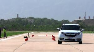 冠道超级评测高速躲避障碍物测试