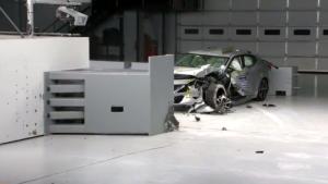 2016款日产Maxima 美国高速安全碰撞测试