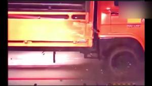 被货车追尾有多可怕?以后开车得死盯后视镜