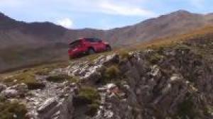 进口Jeep自由侠搭载1.4T, 上山下河的越野性能超赞