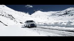 三菱劲炫四月走巴朗山积雪厚,自驾到山顶路况一览