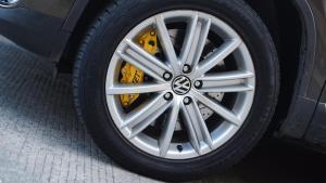 大众途观改装前刹车套件+后加大碟案例