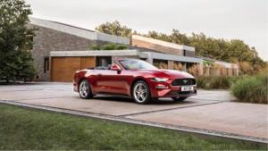 美国实拍敞篷福特Mustang,2.3T的大玩具值不值得买?
