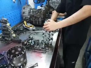 奥迪Q5变速箱维修:冲击顿挫、提速缓慢