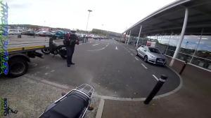 这是停车场但你的摩托车不能停