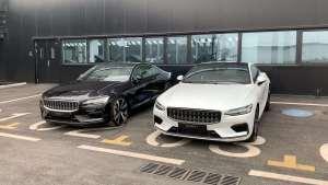 对比Polestar 1白色和黑色车型外观,连LOGO都不同