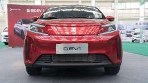 交付速度快到惊人的新造车势力,实拍新特DEV1