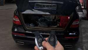 奔驰R300 R350 R320原厂电动尾门后备箱升降