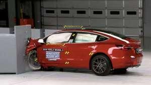 万万没想到,世界上最安全的车竟然是一台电动车!