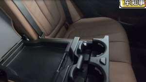 实拍宝马X5|后排中央扶手以及杯架必须有,且面积大触感不错!