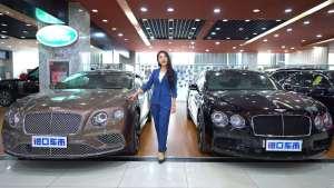 海外豪车 最炫酷的双门轿跑,17款宾利欧陆GT,V8引擎,507匹马力