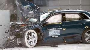 安不安全撞过才知道!宝马X5和奥迪e-tron碰撞测试对比