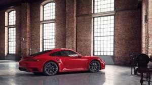 【车圈干货】采用印度红车漆颜色的全新的911 Turbo S