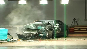 北汽绅宝C-NCAP安全测试 40%偏置碰撞