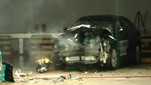 长安睿骋 C-NCAP安全测试40%偏置碰撞