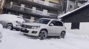 四驱测试 新款大众途观雪地撒野
