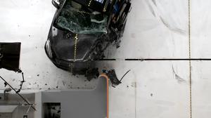 2014款马自达5 IIHS正面25%碰撞测试
