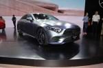 奔驰新款V级/CLS 300上市 售48.5-61.8万元/64.88-70.88万元