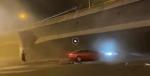 江苏无锡312国道锡港路上跨桥垮塌 事故造成3辆小车被压