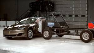 新能源车碰撞测试,垫底的竟是它?网友:怕是辆假车