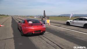 744马力奔驰AMG GT S玩车失控 损失小20万