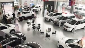乘联会:国五清库助推车市13个月来首次呈现正增长|汽车产经